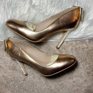 NWOT Shoes of Prey Bronze with Lace Heel Size 7.5